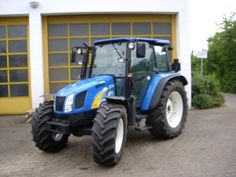 New Holland Tl70 Tl80 Tl90 Tl100 Tractor hydraulic lift is outfitted with digital sensing units that send variants in problems to the digital control. system, which hydraulically runs the lift arms