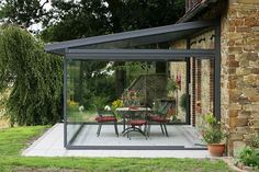 How Does Pergola Provide Shade Outdoor Rooms, Outdoor Living, Outdoor Decor, Gazebos, Glass Extension, Rear Extension, Sunroom Decorating, Glass Room, Diy Pergola