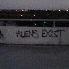 aliens, b&amp,w, grunge, trippy, tumblr - image #2381055 by ...