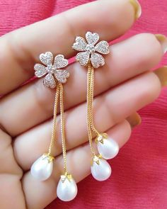 "11 Likes, 1 Comments - JewelleryHutBy Deeksha Narula (@jewellery__hut) on Instagram: ""#bangles #bracelets #earrings #maangtikka #necklace #pendant #mangalsutra #anklets #payal #ADsets…"""