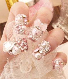 It's kawaii 3D nail art gone sparkly...holy cow!