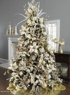 Winter Theme Christmas Trees Decorating Ideas Pictures