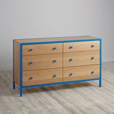 We decided to focus on the fundamentals when crafting our Primary 6-Drawer Dresser. Like having a clean look with simple lines for stylishness. And having a colorful frame and knobs for added contrast. We even offered it in a variety of finishes to coordinate with our metal Primary Beds.