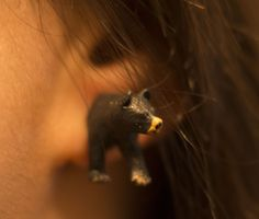 Make little mounted animal earrings!