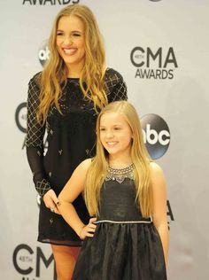 Lennon and Maisy Stella on the red carpet at the 2014 Scarlett O Connor, Jonathan Jackson, Clare Bowen, Nashville Tv Show, Lennon Stella, Cma Awards, Celebs, Celebrities, Great Movies