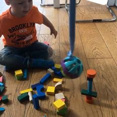 Wrecking ball play Perfect for a rainy day Rainy Day Activities For Kids, Toddler Learning Activities, Games For Toddlers, Baby Learning, Sensory Activities, Infant Activities, Sensory Bags, Baby Sensory Play, Baby Play
