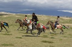 Tibet / Photography by Steve McCurry / Here you can download Steve's FREE PDF Catalog and order PRINTS / stevemccurry.com/...