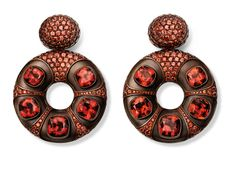 Hemmerle Earrings with Mozambique garnets, spessartite garnets, copper, white gold