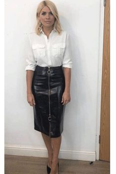 Holly Willoughby outfit: Celebrity Juice star stuns in Kitri leather skirt and Fenwick shirt for ITV show appearance but some fans express concern: Are you OK though? Holly Willoughby Outfits, Holly Willoughby Style, Long Leather Skirt, Leather Look Skirts, Black Leather Skirt Outfits, Stylish Outfits, Sexy Outfits, Fashion Outfits, Fashion Ideas