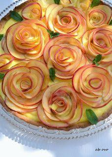 : Crostata per la festa della mamma Mini Desserts, Just Desserts, Delicious Desserts, Dessert Recipes, Yummy Food, Bread Art, Cake Shapes, Food Garnishes, Baking Cupcakes