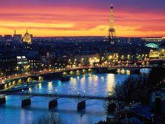 Paryż  stolica Francji. Idealne miejsce do spedzania czas we dwoje.