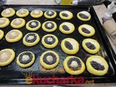 Pine Cone Decorations, Mini Cheesecakes, Deserts, Dessert Recipes, Baking, Food, Hampers, Rezepte, Bread Making