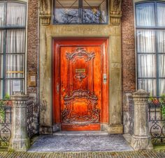 ❤️ the color of this door!