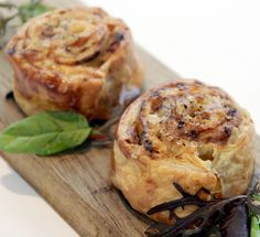 Smoked eel combines with pork belly and Emmental in this eel recipe by Robert Thompson. These smoked eel pastries are fantastic canapés full of flavour. Eel Recipes, Seafood Recipes, Cooking Recipes, Puff Pastry Recipes, Puff Pastries, Tapas, Great British Chefs, Pork Belly, Fish And Seafood