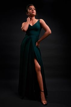 Rashmika Mandanna Latest New Photo in Green long Dress Long Dress With Slit, Backless Long Dress, Slit Dress, South Indian Actress Photo, Indian Actress Photos, Indian Actresses, South Actress, Indian Photoshoot, Saree Photoshoot