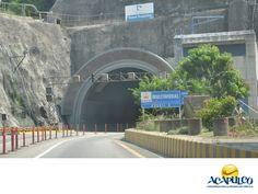 #informacionsobreacapulco El Maxi túnel Interurbano Acapulco. NOTICIAS DE ACAPULCO. El Maxi túnel Interurbano Acapulco es un túnel de gran envergadura,con una longitud de casi 3 kilómetros y construido para conectar la ciudad de Acapulco con la Autopista del Sol. A través de él, es posible ahorrar aproximadamente 25 minutos en el viaje desde la Ciudad de México. Te invitamos a conocer más sobre Acapulco durante tu próxima visita.  www.fidetur.guerrero.gob.mx