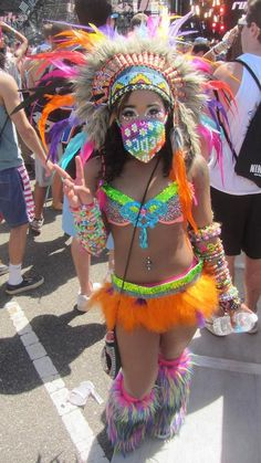 Such a cute rave outfit !