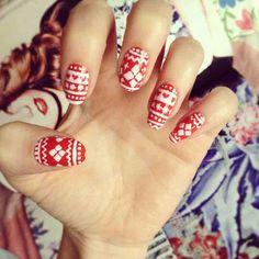 Nail Art Tutorial: Festive Nail Design
