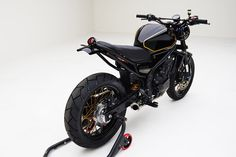 A lightly scrambled Honda CB500F custom from MAD Industries and Lossa Engineering