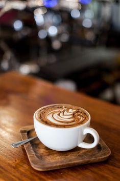 Coffee Latte Art, Coffee Girl, Coffee Cafe, Coffee Humor, Coffee Drinks, Cozy Coffee, Coffee Creamer, Coffee Quotes, Coffee Shot