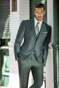 Erhältlich ist dieser Anzug bei Steinecker in Randegg, Graz, Salzburg und Wien. Pamplona, Mens Fashion Suits, Mens Suits, Costume Sexy, Man Crush, Suits You, Tenerife, Suit Jacket, Handsome