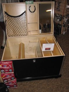 Storage net and mirror in tack trunk