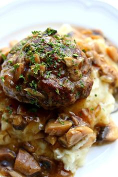 Instant Pot Salisbury Steak, Gravy and Mashed Potatoes--good old fashioned salisbury steak is prepared in your pressure cooker with a savory mushroom and onion gravy and creamy mashed potatoes. Instant Pot Pressure Cooker, Pressure Cooking, Slow Cooking, Pressure Cooker Recipes Beef, Pressure Pot, Peer Pressure, Salisbury Steak Gravy, Salisbury Steak Recipes, Beef Recipes