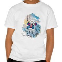Alice in Wonderland - The White Rabbit   Looking for Wonderland. Producto disponible en tienda Zazzle. Vestuario, moda. Product available in Zazzle store. Fashion wardrobe. Regalos, Gifts. #camiseta #tshirt