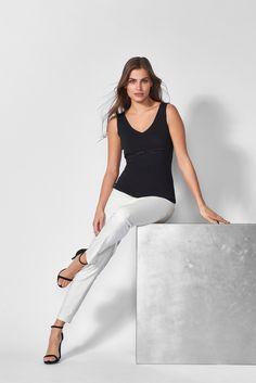 White Jeans, Elegant, Pants, Tops, Fashion, Classy, Trouser Pants, Moda, Fashion Styles