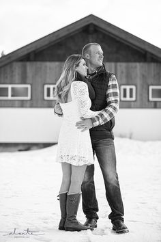 Snoqualmie Pass Snowy Engagement Session | Alante Photography Blog