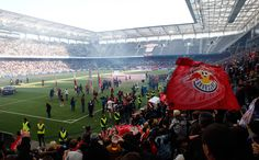 Jede Menge los in der Red Bull Arena Salzburg. Salzburg, Red Bull, Soccer, Nice Asses, Hs Football, Futbol, European Soccer, Soccer Ball, Football