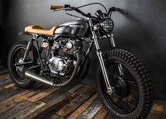 Honda CB Street Tracker by Ed Turner Motorcycles - Photos by Francois Richer #honda #streettracker #motos | caferacerpasion.com