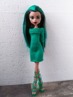 hand-knitted emerald dress tunic with 1/2 sleeves Monster High Doll Clothes, Emerald Dresses, Monster High Custom, Etsy Handmade, Handmade Gifts, Handmade Items, Unique Gifts, Short Sleeve Dresses, Dresses With Sleeves