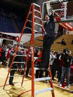 Tom Crean cuts down the net after Indiana clinched the Big Ten title. #IUCollegeBasketball