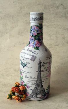 Resultado de imagem para how to fabric decoupage wine bottle Glass Bottle Crafts, Wine Bottle Art, Painted Wine Bottles, Diy Bottle, Vintage Bottles, Bottles And Jars, Decoupage Glass, Jar Art, Altered Bottles