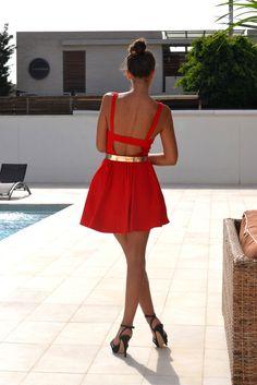 Una silla para mi bolso - Vestido rojo
