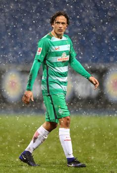 Thomas Delaney of Bremen runs during the friendly match between Eintracht Braunschweig and Werder Bremen at Eintracht Stadion on January 14, 2017 in Braunschweig, Germany.