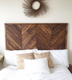Platform Bed this beautiful headboard - love the wood chevron pattern planked herringbone boards and simple stain!this beautiful headboard - love the wood chevron pattern planked herringbone boards and simple stain! Herringbone Headboard, Chevron Headboard, Headboard Designs, Headboard Ideas, Diy Wooden Headboard, Diy King Headboard, Homemade Headboards, Headboards For Beds Diy, Fabric Headboards