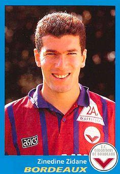Zinedine Zidane of Bordeaux in Football Drills, Football Icon, Best Football Players, Retro Football, Football Design, Football Uniforms, World Football, Vintage Football, Sport Football
