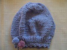 Niebieska czapeczka dla dziewczynki