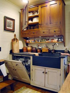 Summer 2012 A Primitive Place & Country Journal magazine. The Historic Kitchen Plan, By David T. This is the third in a series about Historic Kitchen Design. (love the concealed dishwasher. Upper cabinet very nice! Cottage Kitchen Cabinets, Cottage Kitchens, Kitchen Redo, New Kitchen, Home Kitchens, Country Kitchens, Kitchen Doors, Kitchen Makeovers, Kitchen Signs