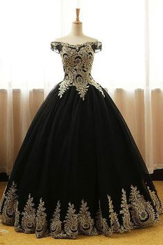 Black Tulle Ball Gowns Prom Dresses 2018 Sexy Gold Lace Appliqued Formal Prom Gowns , Off Shoulder Quinceanera Dresses ,Black Formal Evening Dresses Long Prom Gowns, Prom Dresses For Sale, Ball Gowns Prom, Trendy Dresses, Party Gowns, Party Dress, Short Prom, Black Evening Dresses, Black Prom Dresses