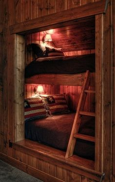 49 Coolest And Warm Bunk Beds with Wooden Wall Design - Cabin interiors - Rustic Bunk Beds, Cabin Bunk Beds, Wooden Bunk Beds, Loft Beds, Wooden Wall Design, Wooden Walls, Bed Nook, Rustic Loft, Rustic Cabins