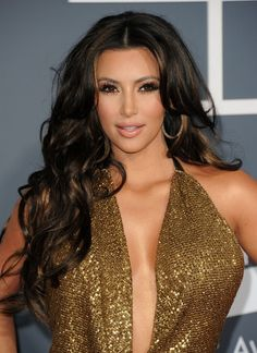 Kim Kardashian Long Hairstyles - Center-Parted Hairstyles for Curls