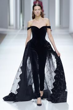 Galia Lahav for Spring 2017 Haute Couture Couture Fashion, Runway Fashion, Fashion Models, High Fashion, Fashion Show, Fashion News, Looks Cool, Couture Dresses, Pretty Dresses