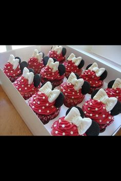 Mini mouse cupcakes @Caren Moore or these might work since i have the bow molds aready. I could just add pearls