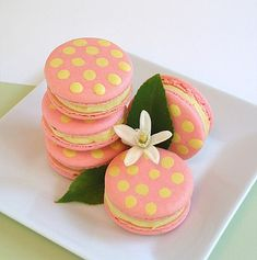 Raspberry Lemonade Macarons | CraftyBaking | Formerly Baking911 - need to be a member to view recipe, but its a cute idea