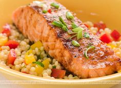 Salmon and Couscous Salad Couscous Salad, My Favorite Food, Favorite Recipes, Date Night Recipes, Couscous Recipes, Cooking Recipes, Healthy Recipes, Healthy Food, Lifestyle