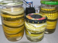 Pikantná zaváraná cuketa (fotorecept) Leto, Kimchi, Preserves, Herbalism, Mason Jars, Healthy Eating, Homemade, Canning, Recipes