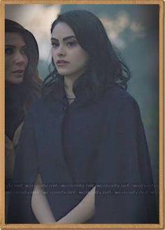 Veronikas schwarzes Cape auf R - #riverdaleveronicaedits Riverdale Veronica, Mona Lisa, Black